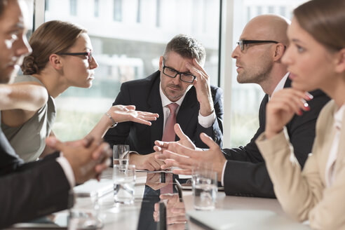 Five business people having an argument - MLF000335