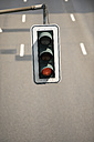 Germany, North Rhine-Westphalia, Duesseldorf, traffic light - VI000006