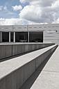 Germany, North Rhine-Westphalia, Duesseldorf-Heerdt, view to car dealer McLaren - VI000133