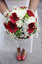 Germany, Cologne, bride with bridal bouquet - JAT000478
