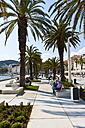Croatia, Split, waterside promenade Riva at harbour - AM001287
