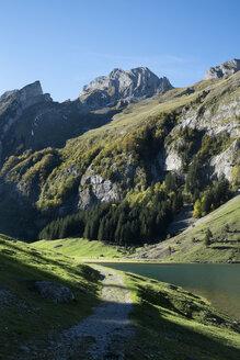 Switzerland, Canton Appenzell Innerrhoden, Seealpsee in autumn - ELF000647