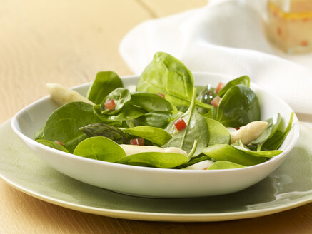 Spinach asparagus salad with tomatoe vinaigrette - SRSF000415