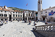 Croatia, Dubrovnik, View of old town, Luza Square - AM001373