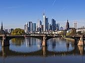 Germany, Hesse, Skyline of Frankfurt behind Ignatz-Bubis-Bridge - AMF001359