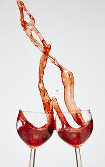 Red wine in wine glasses - AKF000260