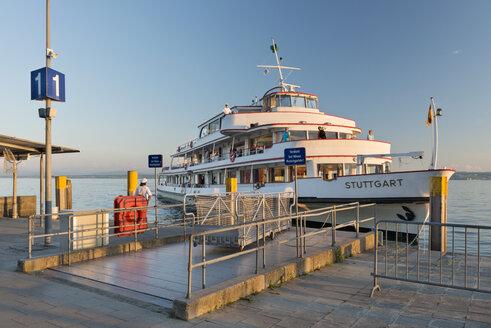 Germany, Baden-Wurttemberg, Meersburg, MS Suttgart at shipping pier - SH001088