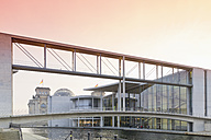Germany, Berlin, skywalk to Marie-Elisabeth-Lueders building, in the background Reichstag - MSF003112