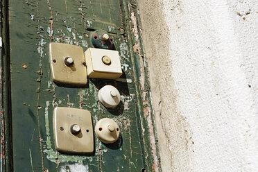 Portugal, Lisbon, Alfama, old door bells - BIF000113