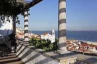 Portugal, Lisbon, Alfama, Miradouro de Santa Luzia, view to Tejo river - BIF000150