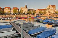 Germany, Baden-Wurttemberg, Friedrichshafen, Boats at gondola port - SH001166