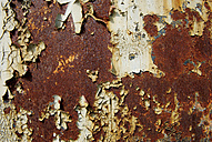 Germany, Brandenburg, Wustermark, Olympic village 1936, detail of rusted garage door - VI000058