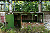 Germany, Brandenburg, Wustermark, Olympic village 1936, view to decaying military building - VI000076