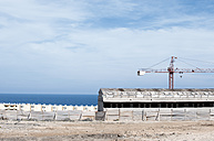 Spain, Fuerteventura, construction site of new apartement complex - VI000083