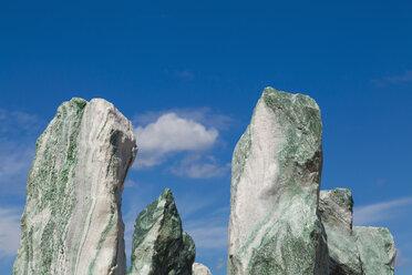 Germany, Baden-Wuerttemberg, Remseck, stones, quartz, solitary stone - WDF002120