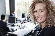 Germany, Neuss, Business people in office - STKF000817