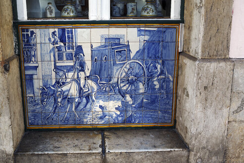 Portugal, Lisbon, Bica, Rua do Alecrim, Aluzejo-Tableau at a store of a tile factory - BIF000179