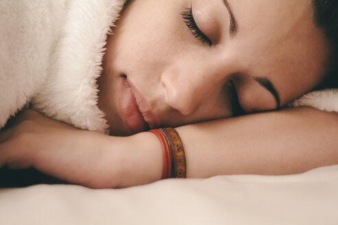 Young woman sleeping - AMCF000029