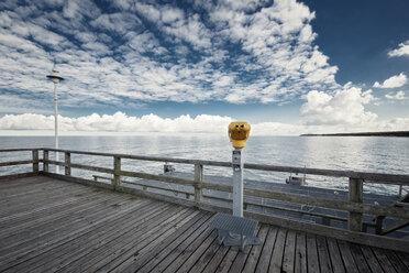 Germany, Mecklenburg-Western Pomerania, Usedom, pier with telescope - WAF000017