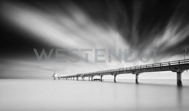 Germany, Mecklenburg-Western Pomerania, Usedom, pier in the sea, long exposure - WA000022 - wecand/Westend61