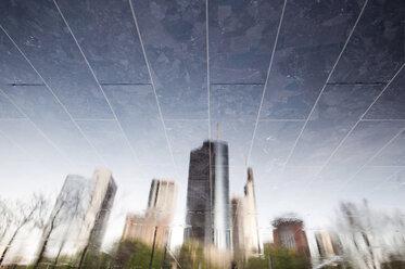 Germany, Hesse, Frankfurt, reflection of skyline - WAF000024