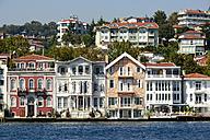 Turkey, Istanbul, Houses at the Bosphorus in Sariyer - LH000333