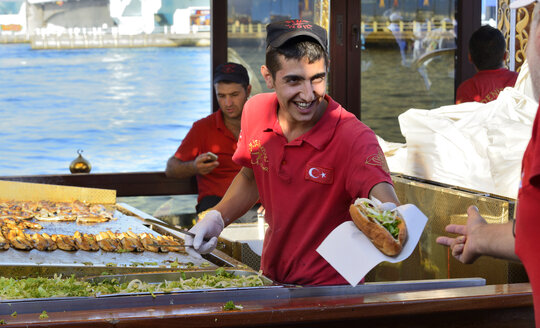 Turkey, Istanbul, Floating fish stall in Eminonu - LH000344