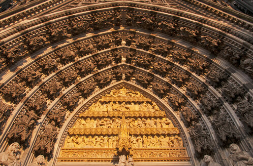 Germany, North Rhine-Westphalia, Cologne, Detail of the main portal of Cologne Cathedral - WG000154