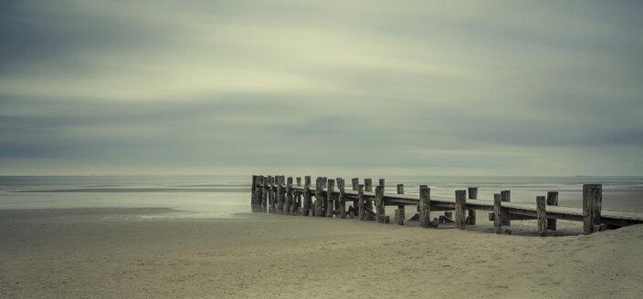 Germany, Schleswig-Holstein, Eckernfoerde, wooden pier at sea - HCF000001