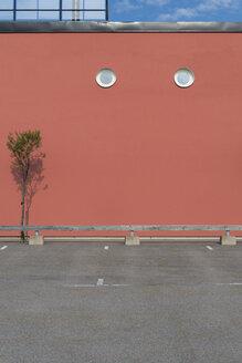 Sweden, Karlskrona, facade with two oculus - VI000220