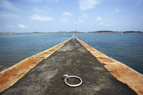 France, Bretagne, Ploubazlanec, Ferry pier to Brehat Island - BIF000232