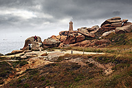 France, Bretagne, Perros-Guirec, Lighthouse Mean Ruz - BI000258