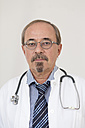 Germany, Portrait of a doctor - DR000342