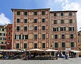 Italy, Liguria, Province of Genoa, Camogli, old town, street cafes - AM001539