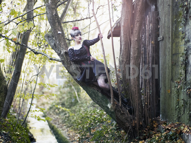 Young woman wearing Steampunk clothing, Victorian style - BSCF000405