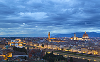 Italy, Tuscany, Florence, view to city with Ponte Vecchio, and Duomo di Firenze at dusk - HSIF000327