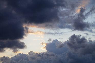 Germany, Schleswig-Holstein, Fehmarn, dark clouds - WIF000242