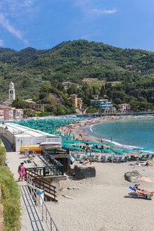 Italy, Liguria, La Spezia, Cinque Terre, Levanto, beach - AM001597