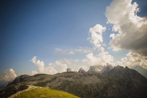 Italy, Province of Belluno, Veneto, Auronzo di Cadore, view to Tre Cime di Lavaredo - MJF000498