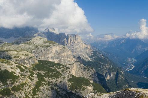 Italy, Province of Belluno, Veneto, Auronzo di Cadore, Tre Cime di Lavaredo - MJ000461