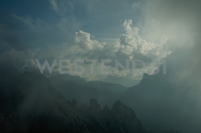 Italy, Province of Belluno, Veneto, Auronzo di Cadore, cloudscapes - MJF000490