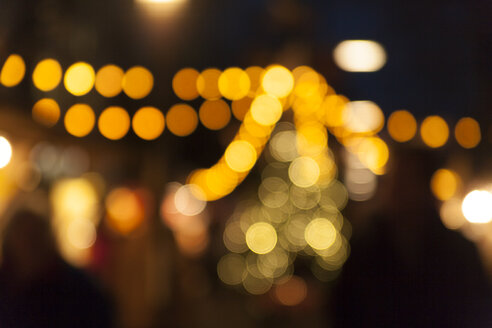 Germany, Bavaria, Munich, Marienplatz, Christmas market, points of light - TCF003788