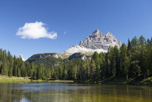 Italy, Veneto, Tre Cime di Lavaredo and Lago Antorno - WWF003008
