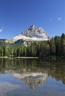 Italy, Veneto, Tre Cime di Lavaredo and Lago Antorno - WWF003011