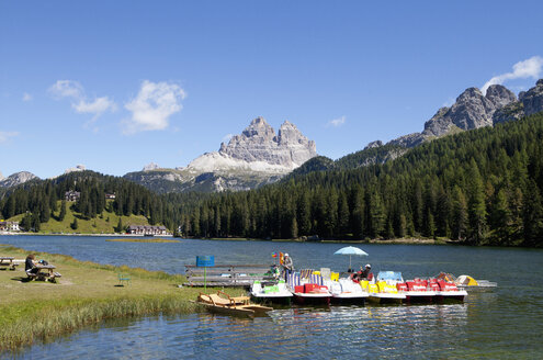 Italy, Veneto, Tre Cime di Lavaredo and Lake Misurina - WW003017
