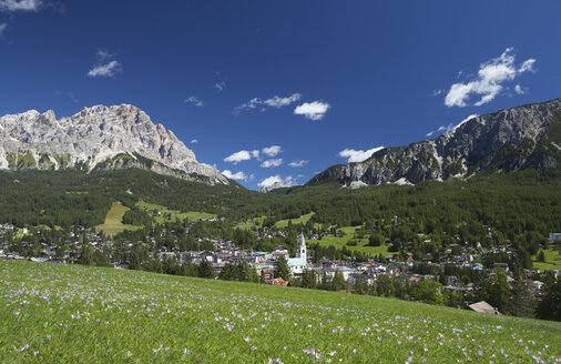 Italy, Veneto, Dolomites and Cortina d'Ampezzo - WWF003026