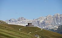 Italy, Trentino, Belluno, Soldier cemetery at Pordoi Pass - WW003124
