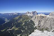 Italy, Trentino, Belluno, View from Sass Pordoi - WWF003053