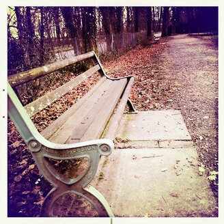 Germany, Baden-Wuerttemberg, Freiburg, bench at Waldsee - DHL000220