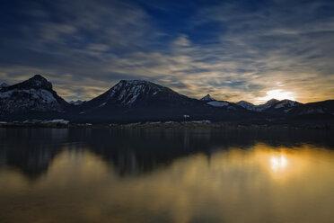 Austria, Salzburg State, Salzkammergut, St. Wolfgang at Lake Wolfgangsee at sunset - GFF000352